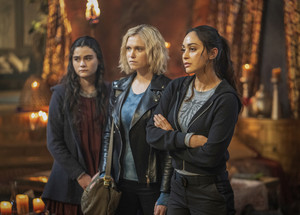 7x13 - Blood Giant - Madi, Clarke and Raven