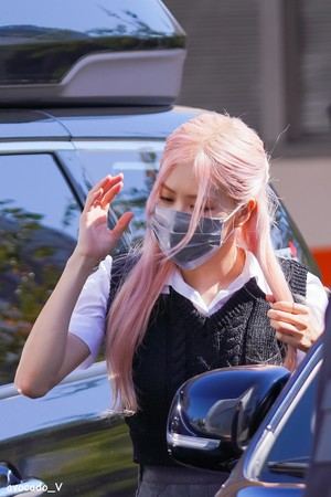 BLACKPINK On the way to filming Knowing Brothers