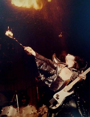 Gene ~Hammond, Indiana...October 18, 1974 (Hotter Than Hell Tour)