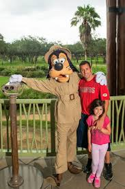 Goofy With Adam Sandler And His Daughter