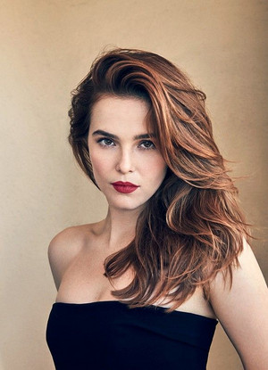 Zoey Deutch - Grazia Italy Photoshoot - 2017