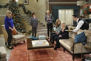 "Mom ~ 3x06 ""Horny Goggles and a Catered Intervention"""