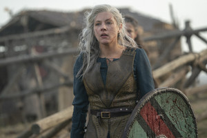 6x04 - All the Prisoners - Lagertha