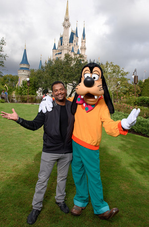 Alphonso Ribiero And Goofy