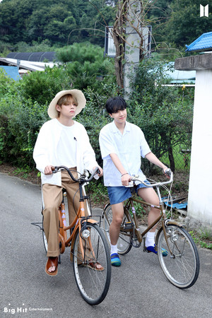 Bangtan Boys 2021 SEASON'S GREETINGS | V AND J-HOPE