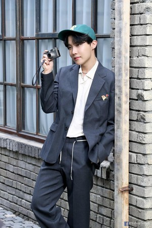 BTS BE CONCEPT Foto SKETCH | J-HOPE