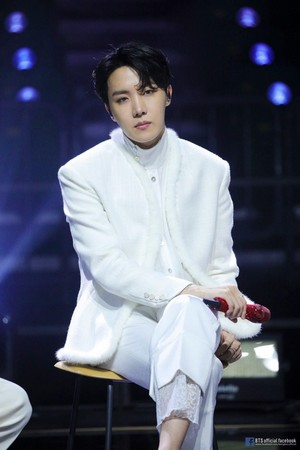 BTS 'LIFE GOES ON' OFFICIAL MV تصویر SKETCH | J-HOPE