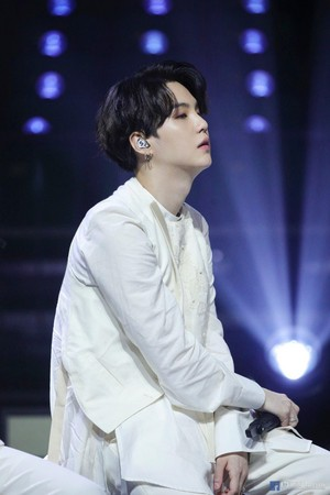 BTS 'LIFE GOES ON' OFFICIAL MV foto SKETCH | SUGA