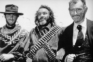 Clint Eastwood, Mario Brega and Lee transporter, van Cleef on the set of For A Few Dollars Mehr