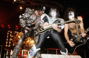 KISS ~Los Angeles, California...November 7, 1979 (Dynasty Tour)