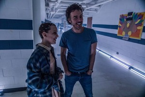 Stranger Things - Behind the Scenes - Millie Bobby Brown and Shawn Levy