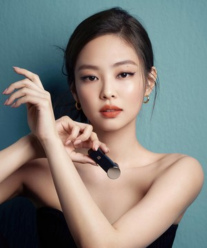 BLACKPINK Jennie for HERA 'Rouge Holic Classic'