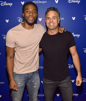 Chadwick Boseman And Mark Ruffalo Дисней 23 Expo