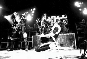 KISS ~Detroit, Michigan...January 26, 1976 (ALIVE! Tour)