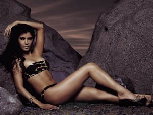 Kelly Hu - Hot And Sexy