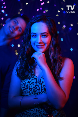 Mary Mouser - San Diego Comic-Con Portrait - 2019