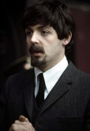 Paul/Hard Day's Night color pic