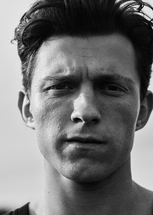 Tom Holland 由 Robbie Fimmano for Esquire Magazine (2021)