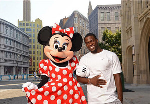Kevin Hart And Minnie Mouse