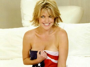 Amanda Tapping - Hot And Sexy