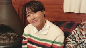 Bangtan Boys 2021 WINTER PACKAGE fotos | J-HOPE