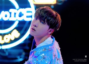 MAP OF THE SOUL ON:E CONCEPT PHOTOBOOK voorbeeld Cuts CLUE Ver. [PERSONA] | J-HOPE