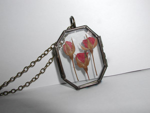 Pressed Ros Locket