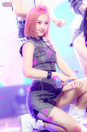 Stayc - Show Champion