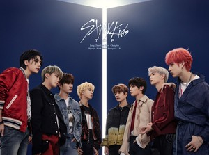 Stray Kids Jepun 1st Single <TOP -Japanese Ver.>
